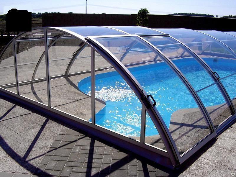 навес из моноилитного поликарбоната над бассейном